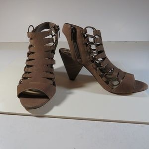 NWT Vince Camuto Brown Leather Sandals